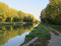 Le soir tombe sur le canal