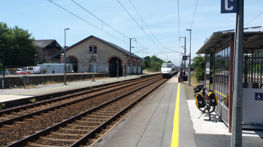 TGV en gare de Rosporden