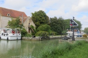 Départ du canal du Rhône au Rhin